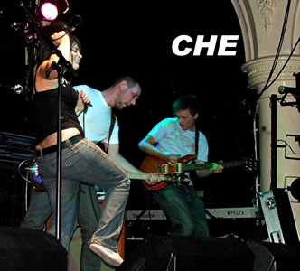 Che or The Che as they were for one night only. Click here for their myspace and listen out for the excellent 'Headrush'
